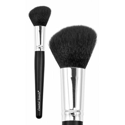 brocha angular para aplicar maquillaje