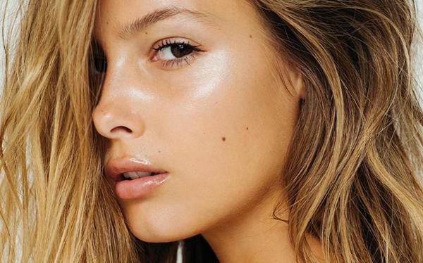 maquillaje natural para ir a la playya