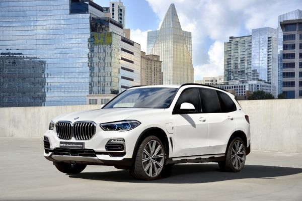 P90321838_lowRes_the-new-bmw-x5-xdriv
