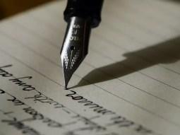 Tinte und Schreibgeräte