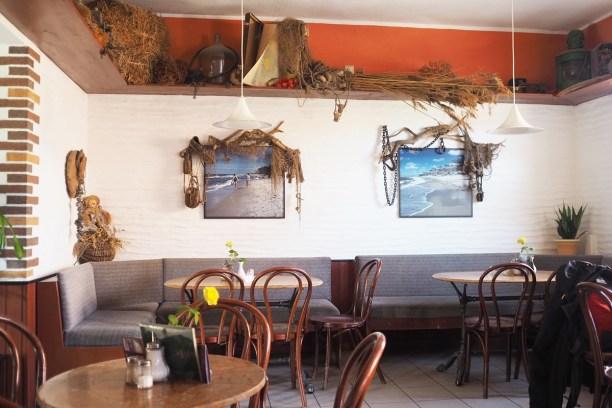 leuchtturm-darsser-ort-cafe