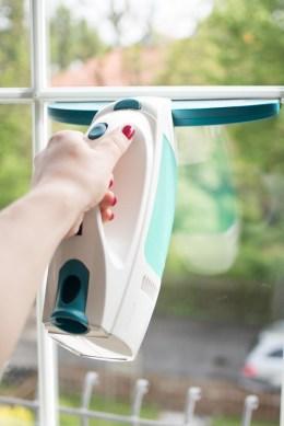 Wie Bekomme Ich Meine Fenster Streifenfrei Sauber fenster putzen ohne streifen leifheit fenstersauger clean