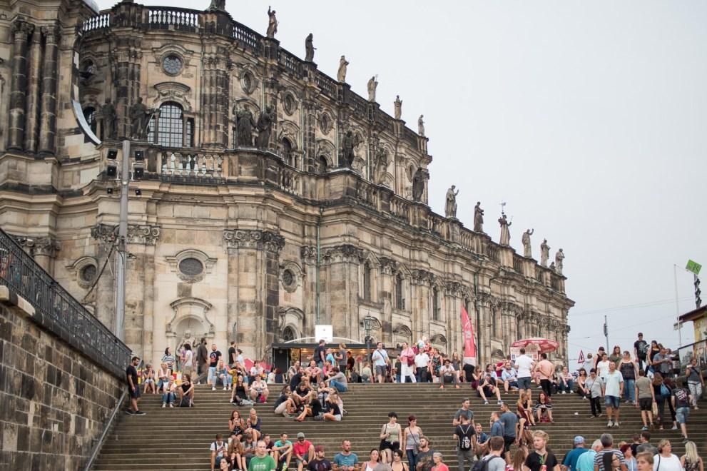 Dresden Stadtfest Rotkaeppchen Fruchtsecco Barwagentour Citytrip