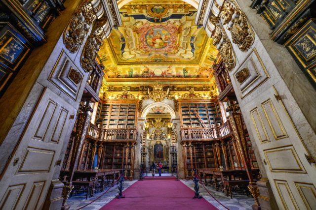 biblioteca mais bonita de Portugal
