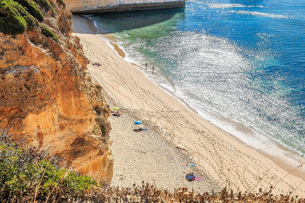 praias de água quente em portugal