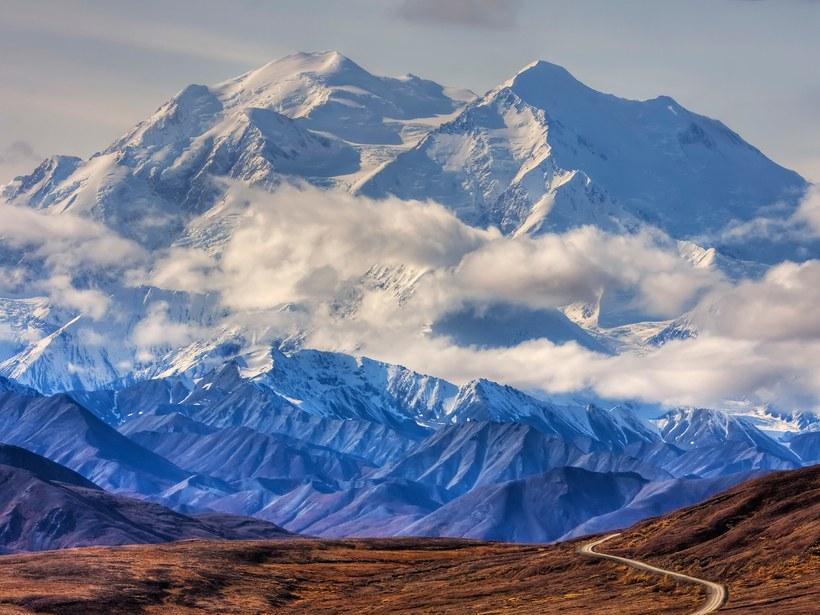 Denali (anteriormente Mt. McKinley): Alaska