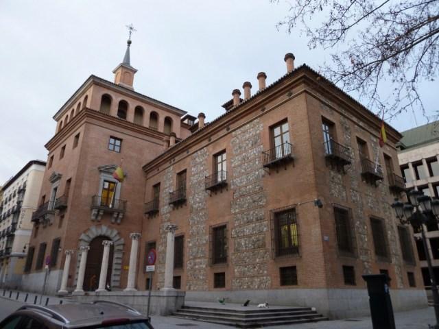 La casa de las siete chimeneas, Madrid