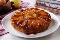 Bolo de maçã com caramelo
