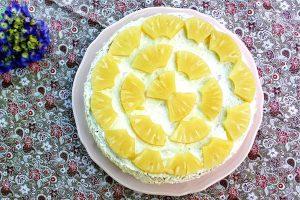 Bolo de ananás com natas