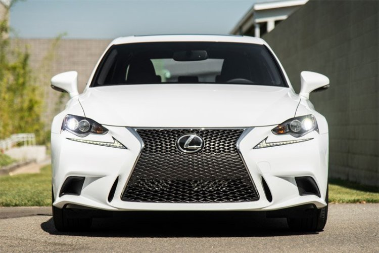 Lexus IS350 F Sport with a mesh grill