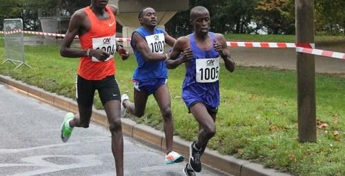 Kitony en tête devant Chumba et Nzioki, ce sera la même ordre sur le podium.