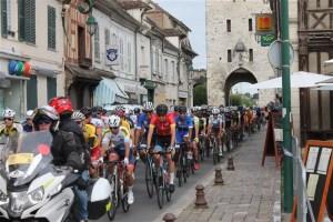 Le championnat de France Avenir rue Grande à Moret-sur-Loing