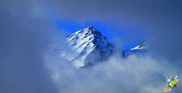 montagne dans la brume logo