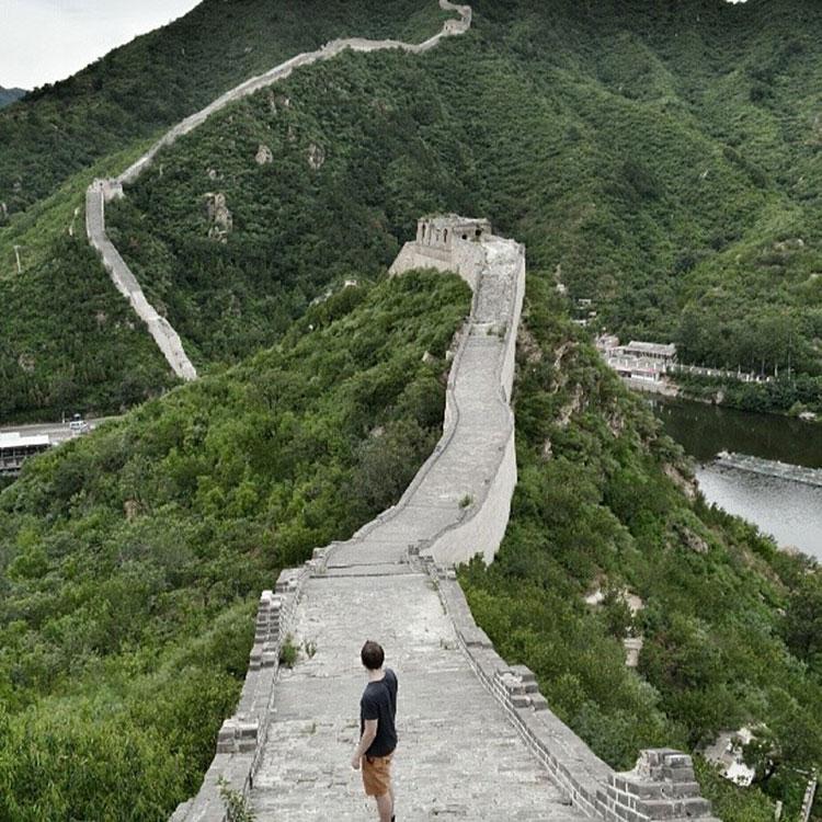 Seul-sur-la-Grande-Muraille-Huang-Hua-Cheng