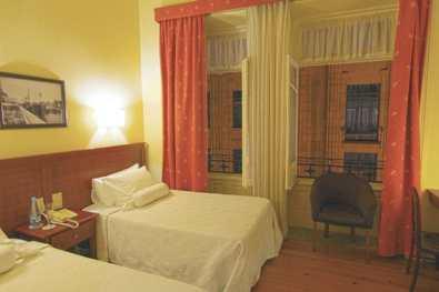 Porto-Hotel-Aliados-chambre-1