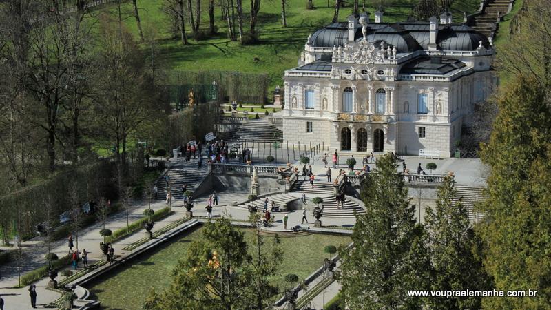 Palácio Linderhof visto do alto, a partir do Templo de Vênus.