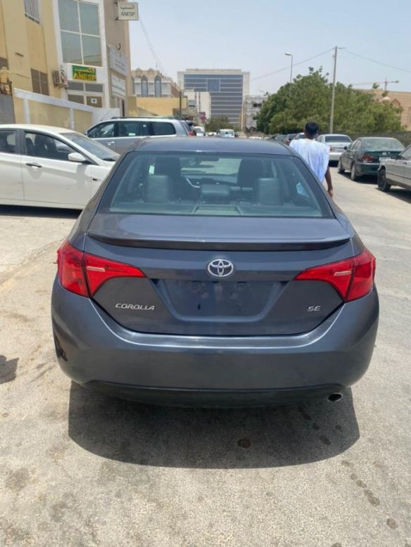 Toyota corolla SE 2017 مافات اورقمت