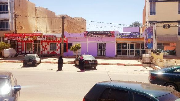 Boutique avec  grand terrain à BANABLAN