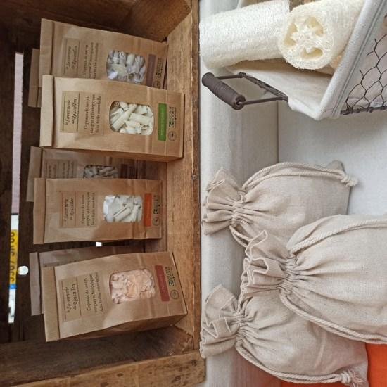La-Savonnerie-du-Roussillon-copeaux-savon-Karine-Lorenzi-LesTalentsDici.com