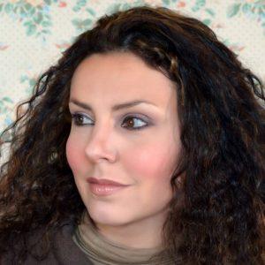 Alexandra Reynaud, mère d'un enfant surdoué, raconte son quotidien et le parcours de son fils sur son blog, et maintenant dans un livre.
