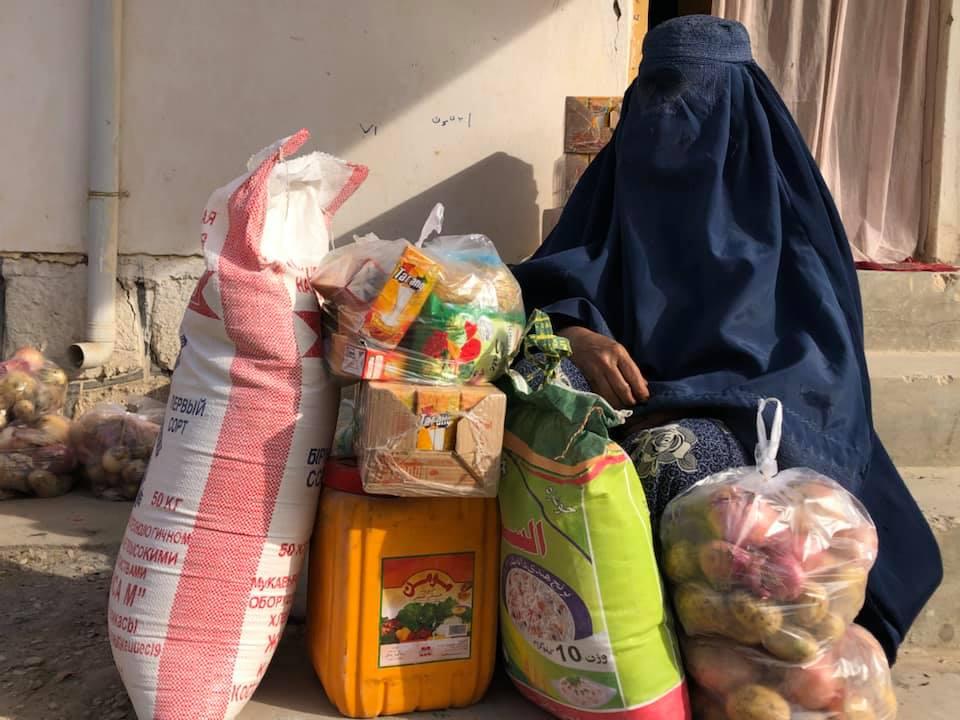 2019-12-distribution-food-poorfamilies