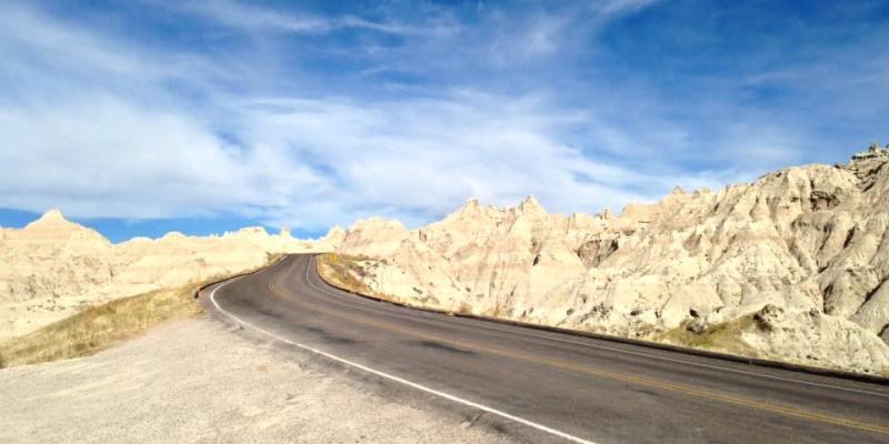 Route à travers les Badlands National Park
