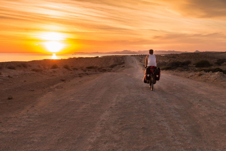 Devenir un digital nomad, de paris à téhéran en vélo