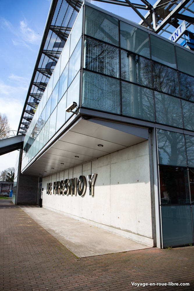 Le Fresnoy est un studio national d'art contemporain.