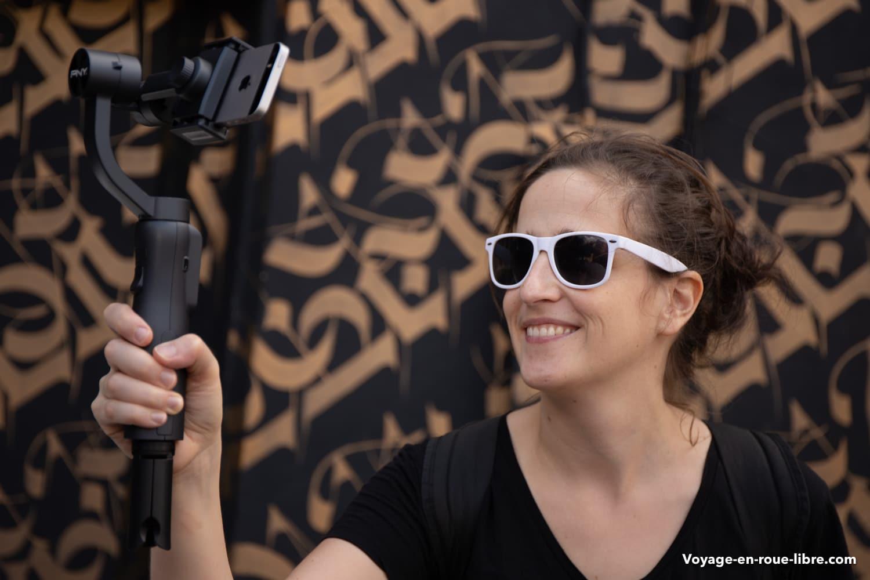 Clem filme avec le stabilisateur pour smartphone de PNY au festival MURAL de PNY