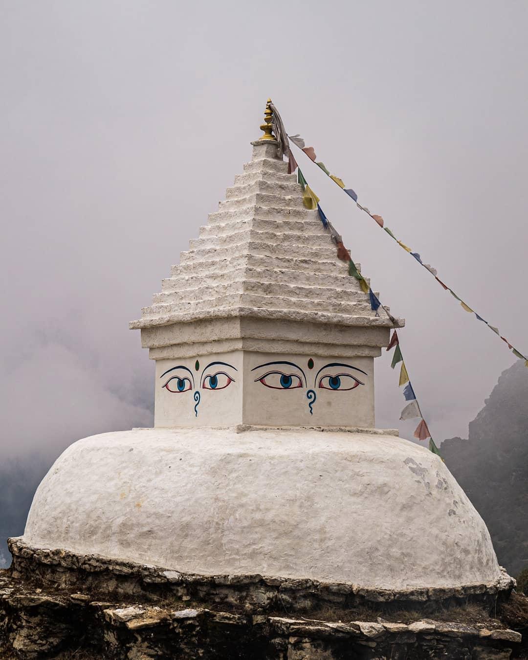 partir au Népal et réaliser un documentaire