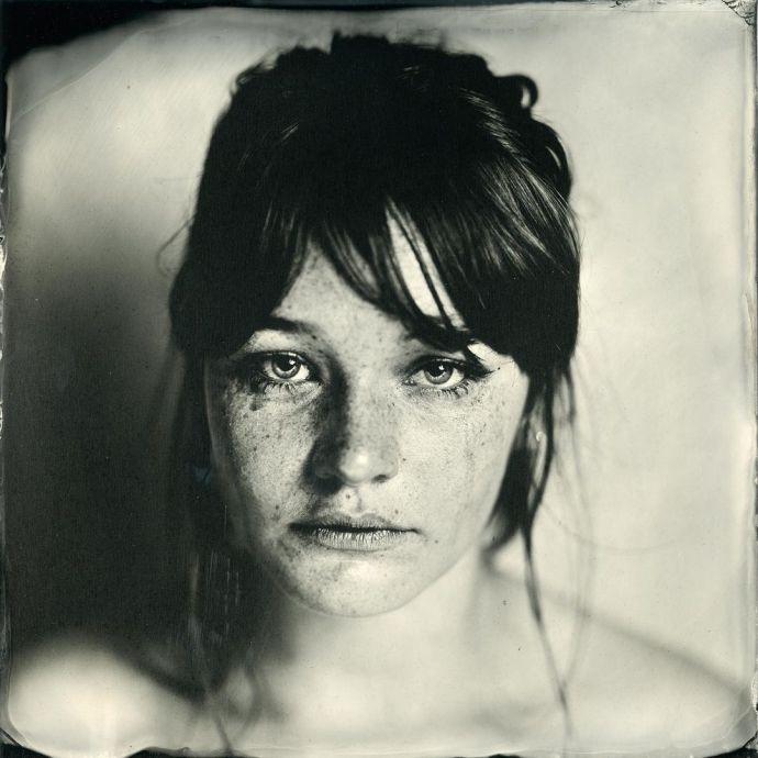 La technique d'Enzo Lucia révèle des détails que la photographie classique ne peut faire.