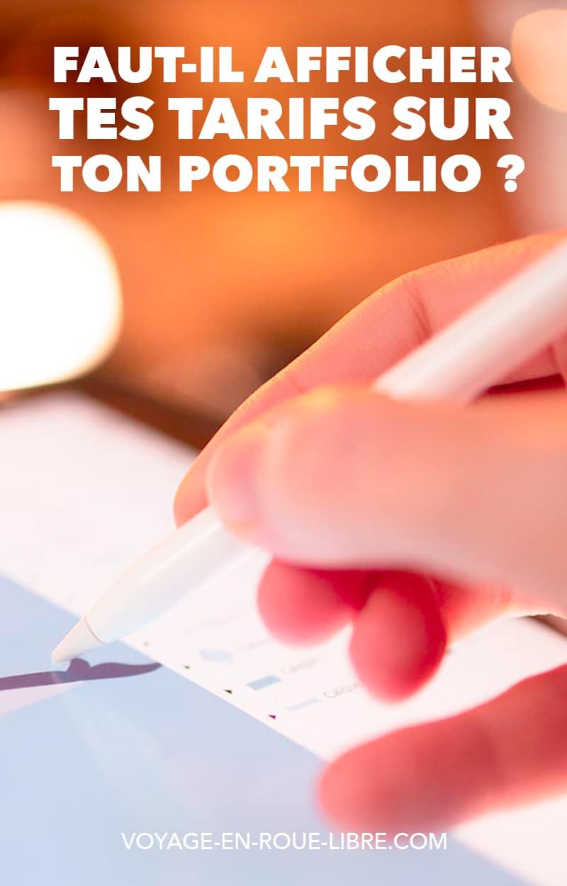 Tu travailles depuis des semaines à construire ton portfolio en ligne pour attirer des clients.   Quand vient inévitablement la question fatidique des prix...  Tu as fait le tour des sites de la concurrence, certains affichent leur prix et d'autres pas...