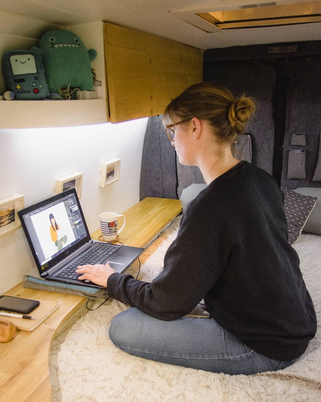 graphiste illustratrice et digital nomad