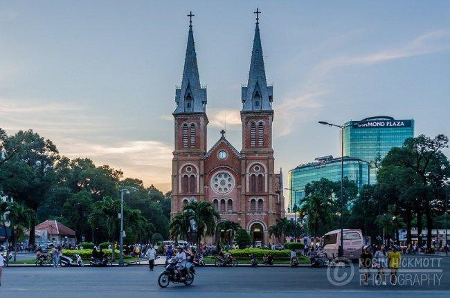 Cathédrale - Hô Chi Minh-Ville par Unplugged