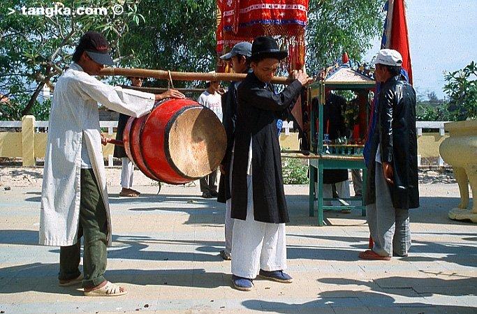 Tambour pour la procession, Vietnam