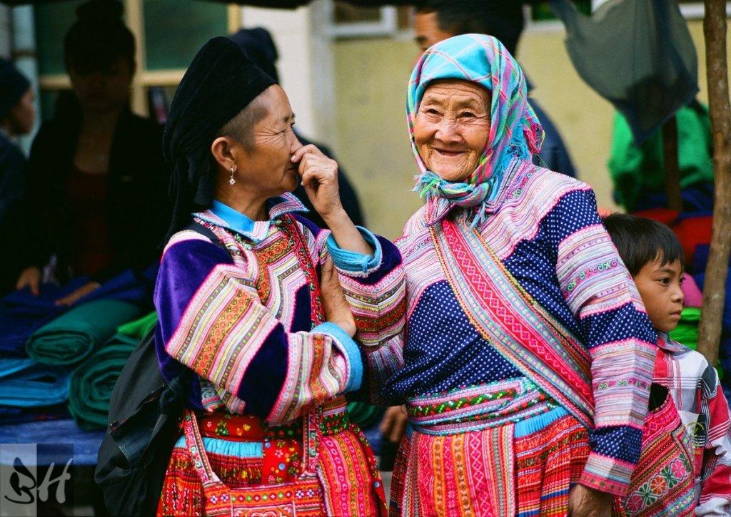Vieilles dames au marché à Hoàng Su Phì - Vietnam