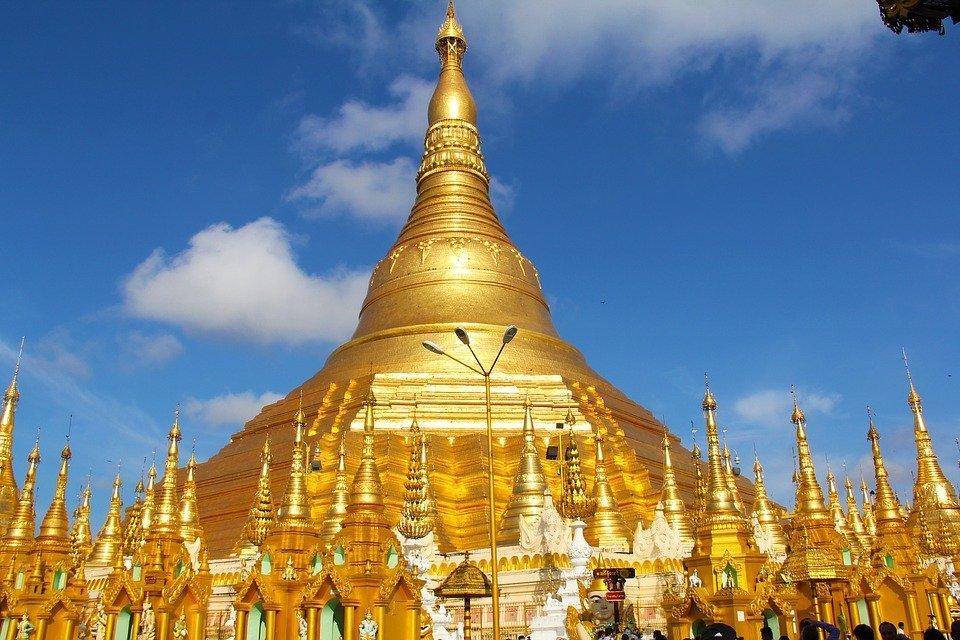 L'impressionnante pagode de Shwedagon - Yangon, Birmanie