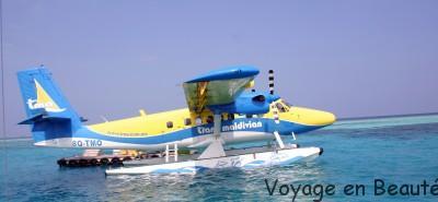 Amerissage en hydravion aux Maldives