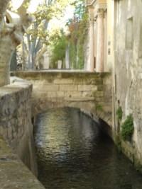 rue-teinturiers-avignon-vaucluse-provence-visite-pont
