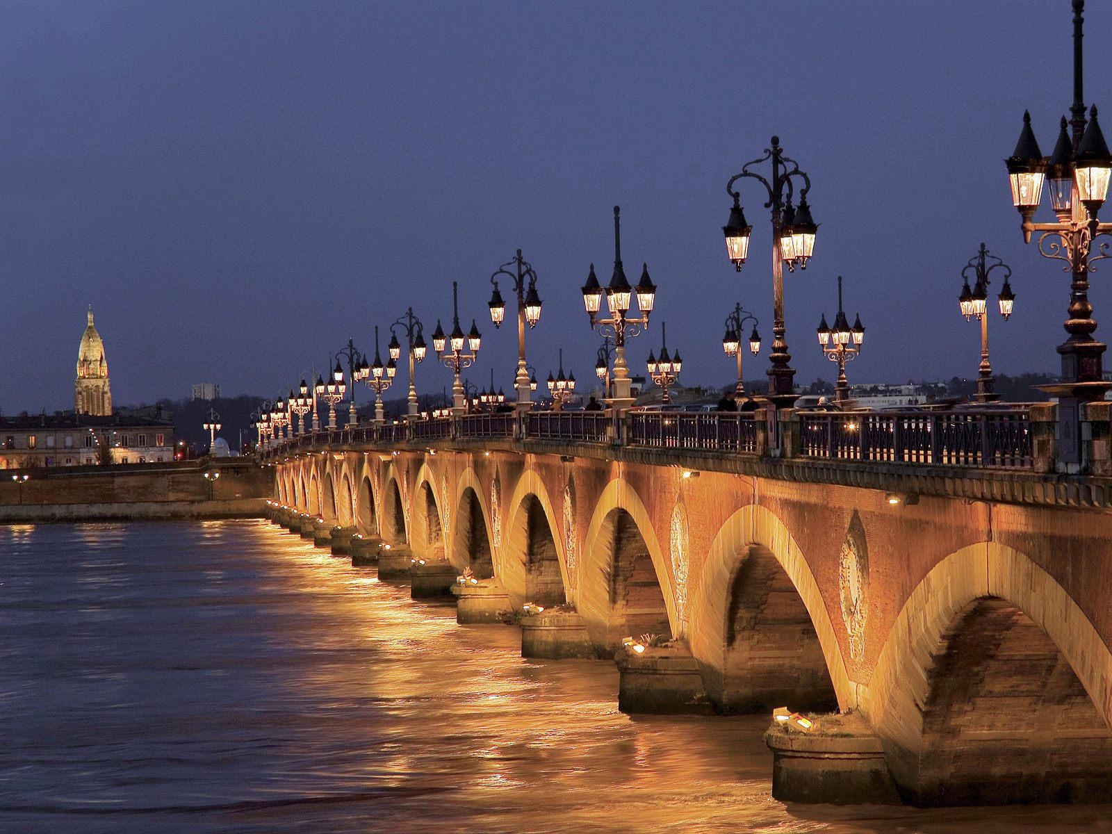 bordeaux-pont-pierre-blog-voyage-beaute-city-break-promo-hotels