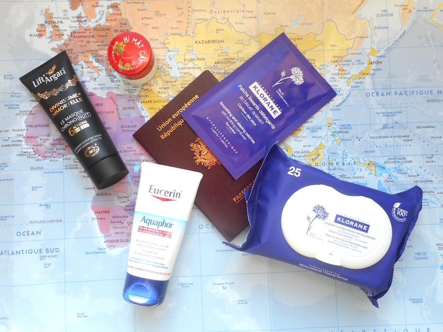 5-produits-beaute-indispensable-bagage-main-avion-long-voyage