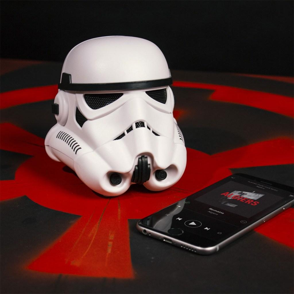 enceinte-bluetooth-stormtrooper-star-wars-idee-cadeau
