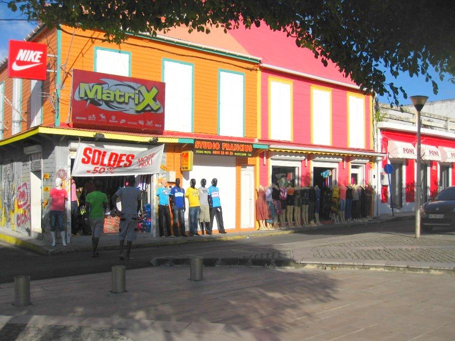 guadeloupe le moule une rue commerciale du centre ville grande terre antilles francaises