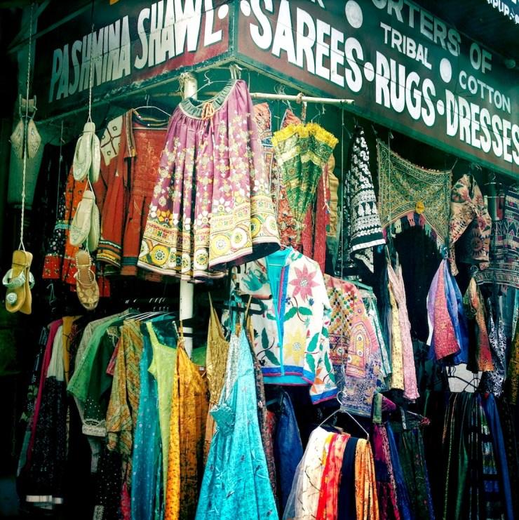 udaipur-market-saris