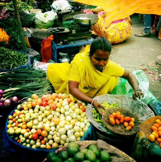 udaipur-market-tomato-vendor