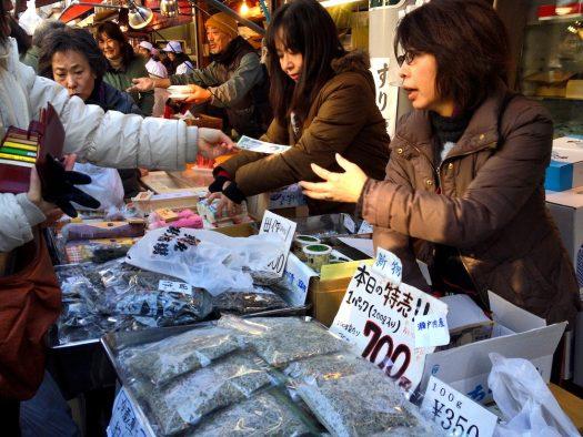 tsukiji-market-vendors