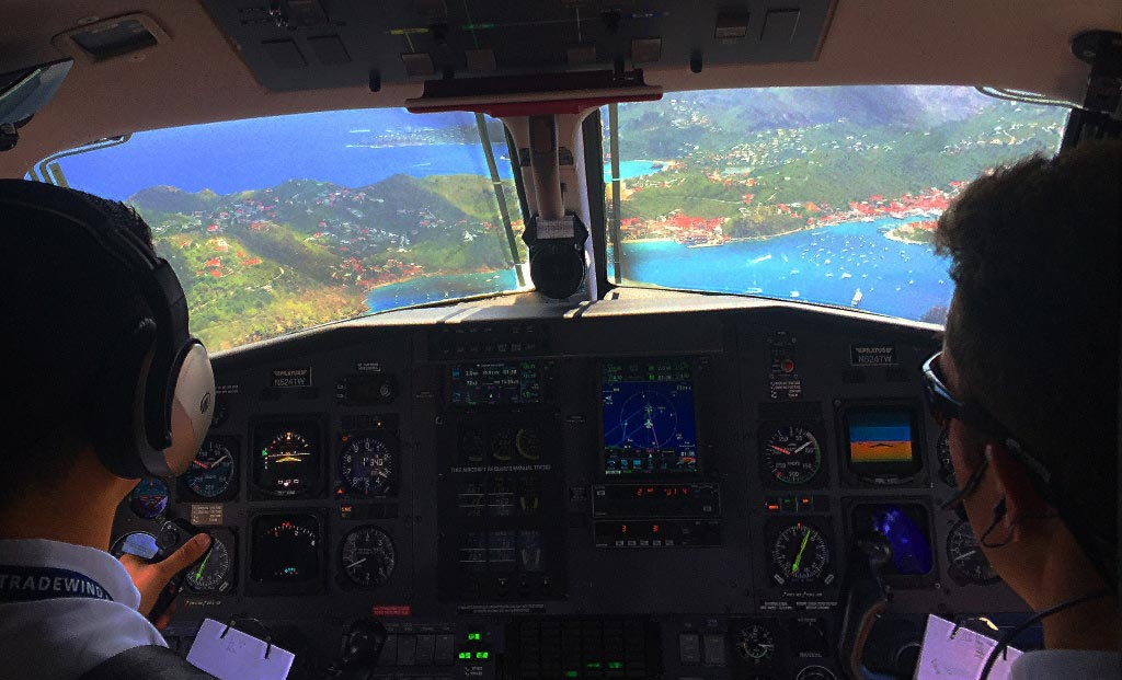 Flying into St Barts