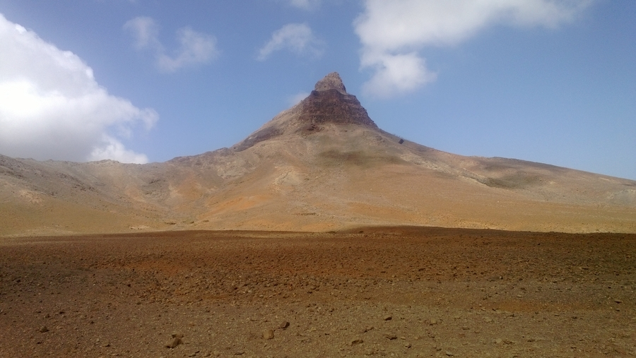 Dans le cratère d'un volcan - São Vicente, Cap-Vert