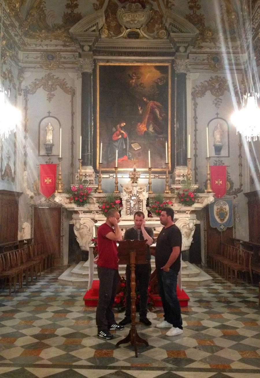 Chanteurs polyphoniques L'Attrachju 01 - Eglise Ste Croix, Corse