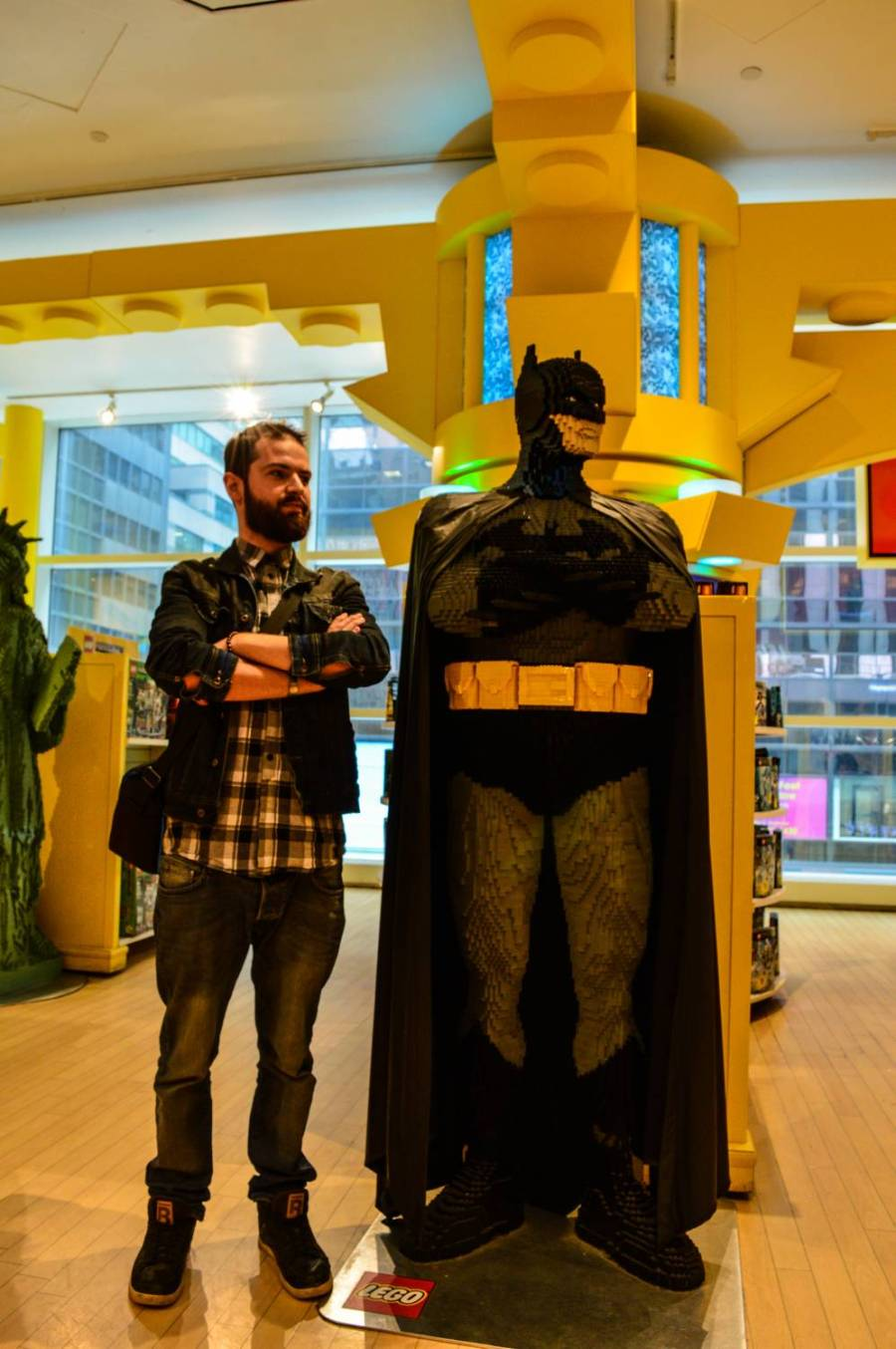 Séb taking a picture with his doppelganger at FAO Schwarz! - New York City, United States